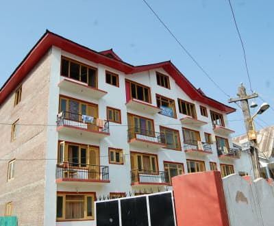 New Bhat Guest House,Srinagar